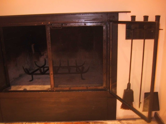 Fireplace Enclosure & 