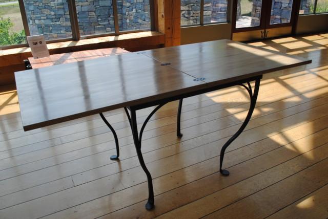 Flip top table Open