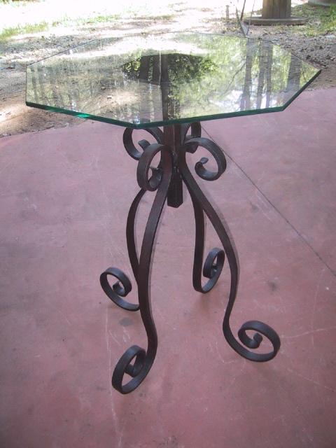 Octa-table